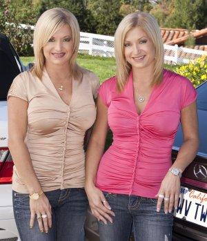 KitesurfingTV Twins Kari & Lisha